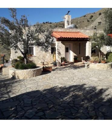 Дом из камня Крите