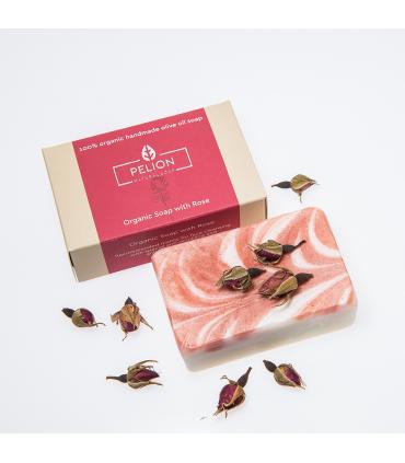 Органическое розовое мыло с лепестками роз